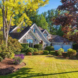 Landscaping to keep your yard healthy all year long